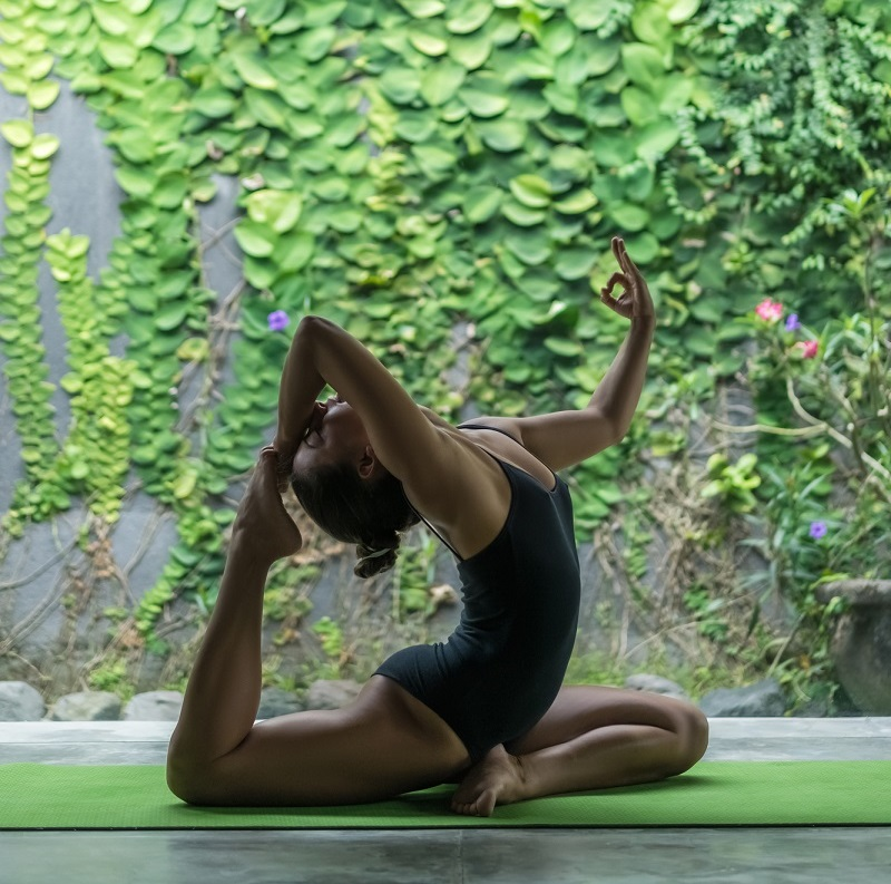 Поза голубя для женского здоровья: раскрываем таз правильно по всем канонам йоги